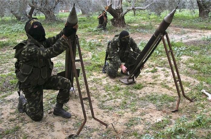 In der westlichen Berichterstattung kaum zu sehen - Raketenabschüsse durch Terroristen in Gaza. Foto PD