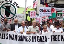 Jeremy Corbyn an der Spitze einer antiisraelischen Demonstration im Juli 2014. Foto RonF/Flickr, CC BY 2.0