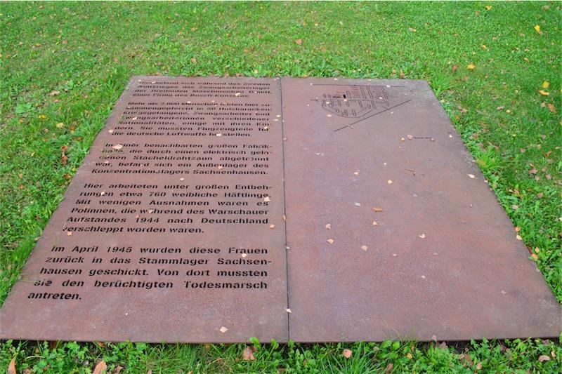"""Gedenkstätte Dreilinden (Zwangsarbeiter-Lager einer BOSCH-Tochterfirma). Joachim Rogall: """"Wir haben die historische Verpflichtung, dafür zu sorgen, dass dieInnovationen aus Israel in die Weltkommen. Die Bosch-Stiftung bringt sich ein, als Mittler."""" Foto Gemeinde Kleinmachnow"""