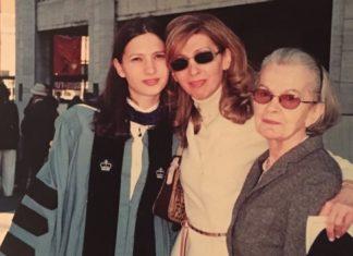 Drei Generationen. Rosa Kahan mit Tochter und Enkeltochter. Foto Yvette Schwerdt