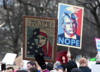 Protest gegen Trump in Washington DC am 29. Januar 2017. Foto Tracy Lee / Flickr.com. (CC BY-NC-ND 2.0)