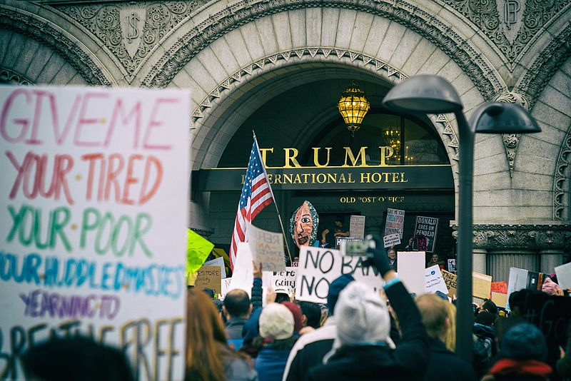 Foto Mike Maguire - Trump International Hotel, CC BY 2.0, Wikimedia Commons.
