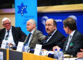 Von links: Bas Belder, Tomas Sandell, Dore Gold, Andrew Tucker. Foto ECI / Facebook