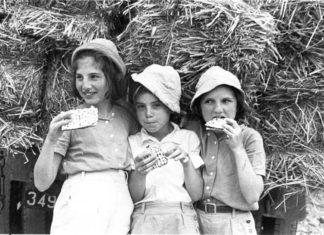 Foto Center for Jewish History, NYC. Public Domain.