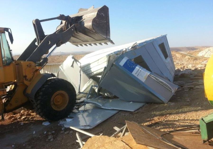 Abriss von der EU geförderter illegaler Bauwerke, die in Area C gebaut wurden. Foto COGAT