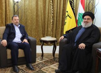 Ein kürzlich stattgefundenes Treffen in Beirut zwischen Hamas-Führer Saleh Arouri (links) und Hisbollah-Chef Hassan Nasrallah (rechts) war ein weiteres Zeichen für die Bemühungen der Hamas, den Weg für den Iran und die Hisbollah zu ebnen, um in den Gazastreifen zu gelangen. Foto Hisbollah via Al Manar