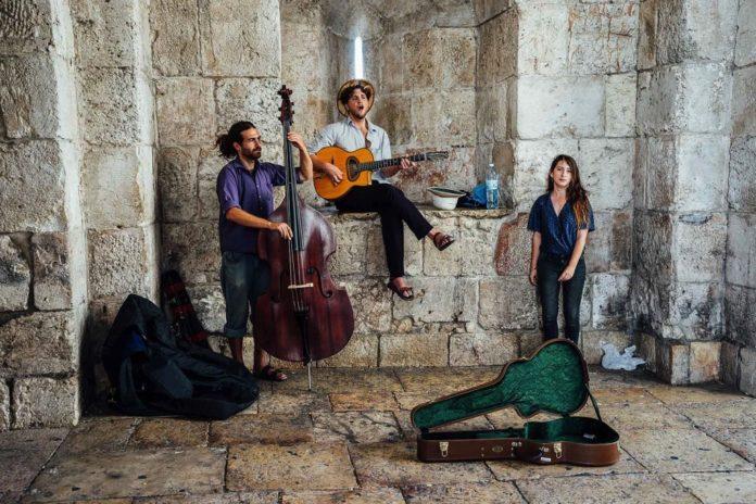 Strassenmusikanten in Jerusalem. Foto CC0 Creative Commons