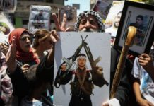 Palästinenser feiern, nachdem Gefangene einen Hungerstreik beendet haben. Foto Flash90