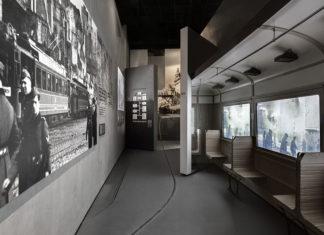 """Hauptausstellung des Museums für Geschichte der polnischen Juden in Warschau. """"Holocaust""""-Galerie. Foto Magdalena Starowieyska, Dariusz Golik, CC BY-SA 3.0 pl, https://commons.wikimedia.org/w/index.php?curid=36417149"""