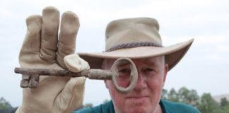 Archäologe in der biblischen Stadt Zer. Foto Archäologen suchen nach Artefakten in der biblischen Stadt Zer. Foto Hanan Shafir.