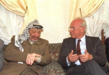 Premierminister Rabin trifft am 30. Oktober 1994 in Casablanca mit dem PLO-Vorsitzenden Yasser Arafat zusammen. Foto Saar Yaacov, GPO.