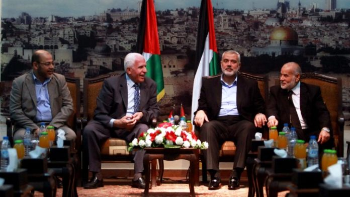 Ein Bild aus besseren Zeiten. Hamas- und Fatah-Führer trafen sich am 22. April 2014 zu Gesprächen über die palästinensische Versöhnung in Gaza. Foto Abed Rahim Khatib / Flash90