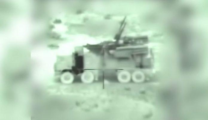 Ein syrisches Flugabwehr- Fahrzeug das durch die Zielkamera einer ankommenden israelischen Rakete am 21. Januar 2019 anvisiert wird. Foto IDF