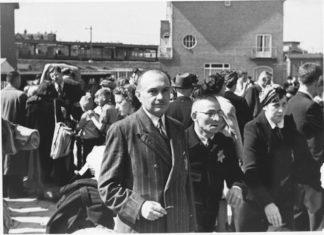 Deportation von Juden aus Amsterdam nach Westerbork. 1943. Foto PD