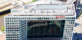 Spiegel-Gebäude der Gruppe DER SPIEGEL auf der Ericusspitze. Foto © Thomas Fries, Lizenz: cc-by-sa-3.0 de, CC BY-SA 3.0 de, https://commons.wikimedia.org/w/index.php?curid=26962121