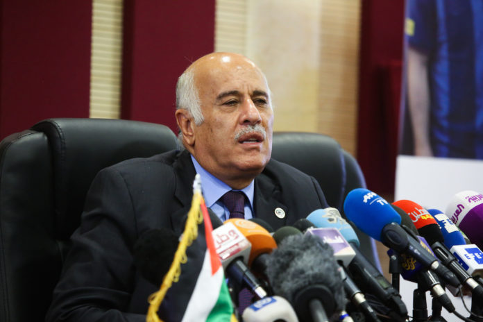 Jibril Rajoub während einer Pressekonferenz in Ramallah am 6. Juni 2018. Foto Flash90