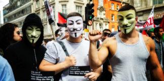 """Gaza March August 2014 - 05"" (CC BY 2.0) by garryknight (https://www.flickr.com/photos/garryknight/15238358622/)"