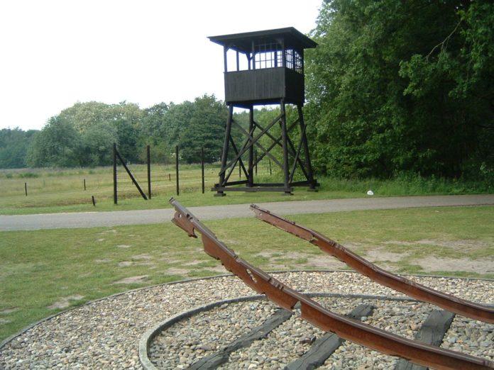 Il lager di Westerbork, in Olanda. Foto Blacknight, Public Domain, https://commons.wikimedia.org/w/index.php?curid=865654
