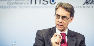 Kenneth Roth, Geschäftsführer von Human Rights Watch. Foto Kuhlmann / MSC - https://securityconference.org/en/medialibrary/asset/kenneth-roth-1341-19-02-2017/, CC BY 3.0 de, https://commons.wikimedia.org/w/index.php?curid=62774827