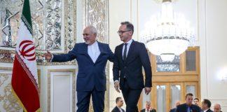 Der iranische Aussenminister Mohammad Javad Zarif und sein deutscher Amtskollege Heiko Maas in Teheran. Foto Fars News Agency, CC BY 4.0, https://commons.wikimedia.org/w/index.php?curid=79672275
