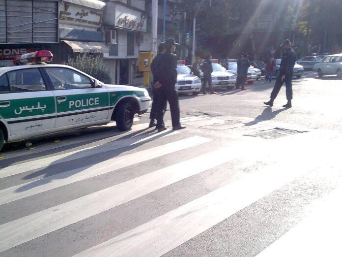 Iranische Polizei, Symbolbild. Foto Amirreza, CC BY-SA 3.0, https://commons.wikimedia.org/w/index.php?curid=5286038