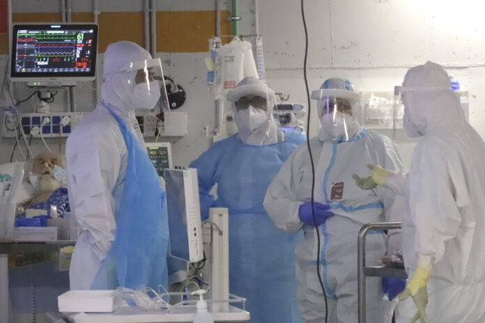Corona-Intensivstation des Tel-Hashomer-Krankenhauses in Tel Aviv. Foto Eitan Elhadaz/TPS
