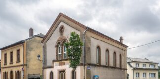 Al Synagog Ettelbréck. Foto MMFE, CC BY-SA 4.0, https://commons.wikimedia.org/w/index.php?curid=44035025