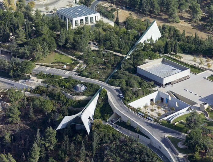Luftaufnahme des Yad Vashem Holocaust-Museum. Foto Shiva/Wikipedia, CC BY-SA 4.0, https://commons.wikimedia.org/w/index.php?curid=29730129