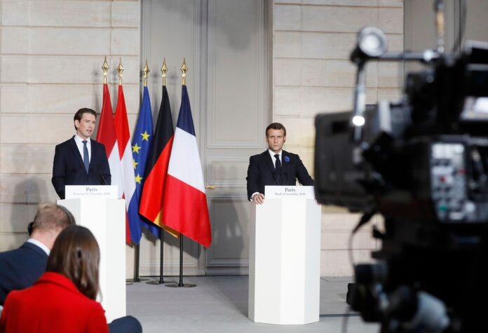 Am 10. November 2020 traf Bundeskanzler Sebastian Kurz (l.) im Rahmen seines Arbeitsbesuch in Paris den französischen Staatspräsidenten Emmanuel Macron (r.). Foto Dragan Tatic / Bundeskanzleramt