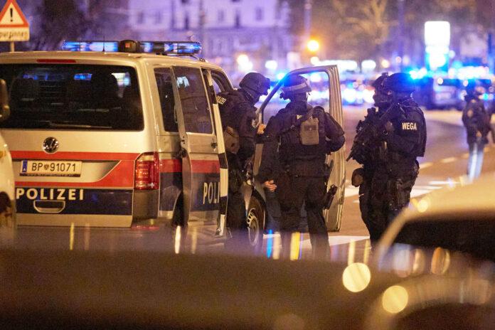 In Wien ereignete sich am 2. November 2020 ein islamistischer Terroranschlag. Dabei wurden vier Personen getötet und 23 weitere teils schwer verletzt. Foto imago images / photonews.at