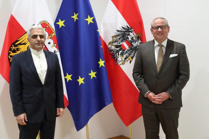 Landtagspräsident Wolfgang Stanek und der iranische Botschafter S.E. Dr. Abbas Bagherpour Ardekani. Foto Land Oberösterreich / Sabrina Liedl