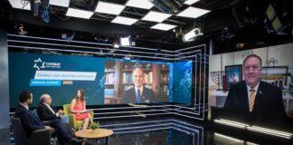 """Der ehemalige U.S.-Aussenminister Mike Pompeo während der Jahreskonferenz von """"Combat Antisemitism"""". Foto Twitter / CombatASemitism"""