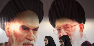 Ayatollah Khomeini und Ali Khamenei. Foto IMAGO / ZUMA Wire