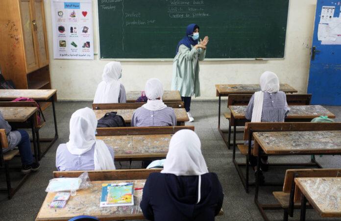 Palästinensische Schüler, in einem Klassenzimmer, in einer Schule, die vom Hilfswerk der Vereinten Nationen (UNRWA) in Gaza-Stadt betrieben wird. 3. November 2020. Foto IMAGO / ZUMA Wire