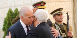 Der damalige US-Vizepräsident und heutige Präsident Joe Biden und Palästinenserpräsident Mahmoud Abbas im palästinensischen Präsidentengebäude in Ramallah am 10. März 2010. Foto IMAGO / UPI Photo