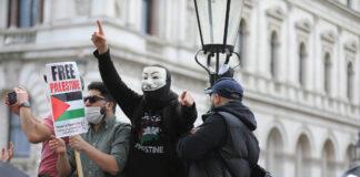 Protest vor der Downing Street in London. Foto IMAGO / ZUMA Wire