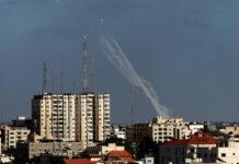 Raketen werden von Hamas aus Wohngebieten auf Israel abgefeuert. Gaza 17. Mai 2021. Foto IMAGO / NurPhoto