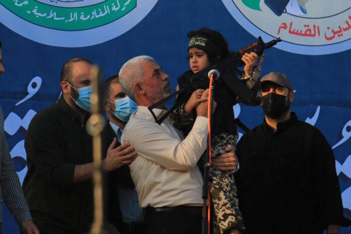 Yahya Sinwar, Führer der Hamas im Gazastreifen an einer