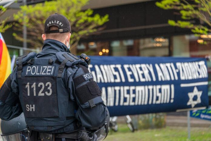 Symbolbild. Am 22. Mai 2021 fand in Kiel eine Demonstration unter dem Titel Solidarität mit Israel statt. Foto IMAGO / penofoto