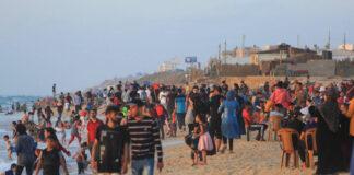 Palästinenser geniessen das Strandleben bei Deir al-Balah im Zentrum des Gazastreifens, 28 Mai 2021. Foto IMAGO / ZUMA Wire