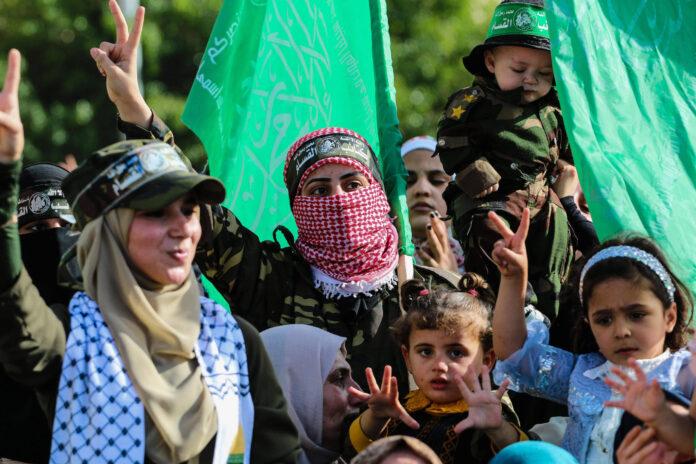 Frauen mit Kindern während einer Anti-Israel-Kundgebung im nördlichen Gazastreifen, eine Woche nach einem Waffenstillstand zwischen Israel und der Terrororganisation Hamas. 30. Mai 2021. Foto IMAGO / ZUMA Wire