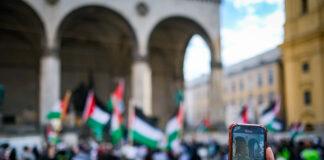 Symbolbild. Pro-Palästina Kundgebung 29.05.2021 in München. Foto IMAGO / Leonhard Simon