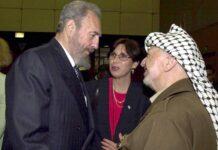 Staatspräsident Fidel Castro (li., CUB) und Yassir Arafat (PLO/Präsident Palästinensische Autonomiegebiete) anlässlich der World Conference Against Racism in Durban, Südafrika. 31.08.2001. Foto IMAGO / UPI Photo