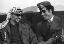PLO-Führer Yassir Arafat (li.) und Staatschef Muammar Al Gaddafi (Libyen) am Rande der Anti-Sadat-Konferenz in Tripolis - Libyen im September 1977. Foto IMAGO / Sven Simon