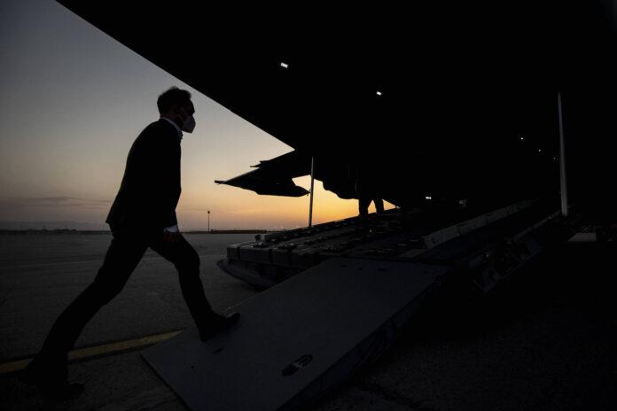 Heiko Maas, Bundesaussenminister, aufgenommen vor dem Abflug mit dem Airbus A400M nach Islamabad in Masar-e Scharif, 29.04.2021. Foto IMAGO / photothek