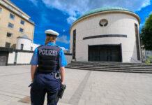 Symbolbild. Polizeischutz Synagoge Düsseldorf. Foto IMAGO / Michael Gstettenbauer