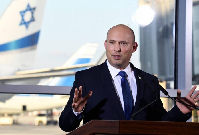 Naftali Bennett während einer Pressekonferenz am Flughafen Tel Aviv am 22. Juni 2021. Foto IMAGO / Xinhua