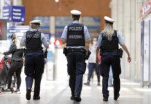 Symbolbild. Eine Streife der Bundespolizei im Hauptbahnhof Köln. Foto IMAGO / Future Image
