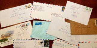 An Gott adressierte Briefe in Jerusalem. Die israelische Post erhält jedes Jahr etliche Briefe aus der ganzen Welt, die an Gott adressiert sind. Foto Government Press Office