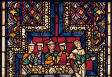 Im sogenannten Älteren Bibelfenster des Kölner Domes sind einige Protagonisten in der früher für Juden vorgeschriebenen Kleidung zu sehen. Foto © Hohe Domkirche zu Köln / Dombauhütte / Glasrestaurierungswerkstatt